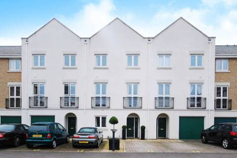 View full details for Beechcroft Road, Wandsworth Common, SW17