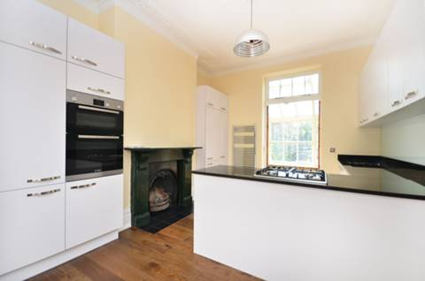 View full details for Oakley Road, East Canonbury, N1