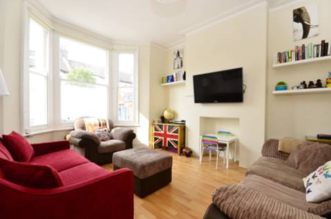 View full details for Daphne Street, Earlsfield, SW18