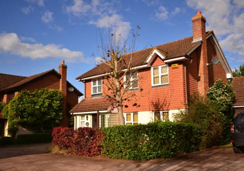 House for sale in Ottershaw with Foxtons