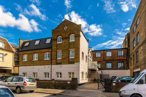 View full details for Stanley Gardens, Ealing, W3