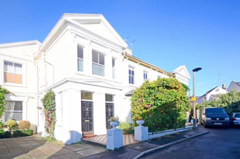 View full details for Elfin Lodge, Teddington, TW11