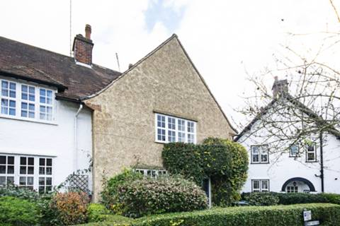 View full details for Asmuns Hill, Hampstead Garden Suburb, NW11