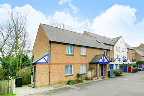 House for sale in Sydenham with Foxtons