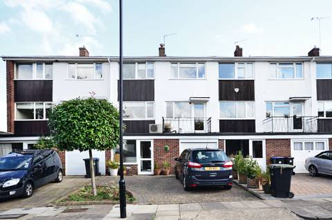 View full details for Hill House Close, Winchmore Hill, N21