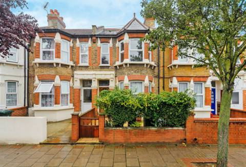 View full details for Churston Avenue, Plaistow, E13