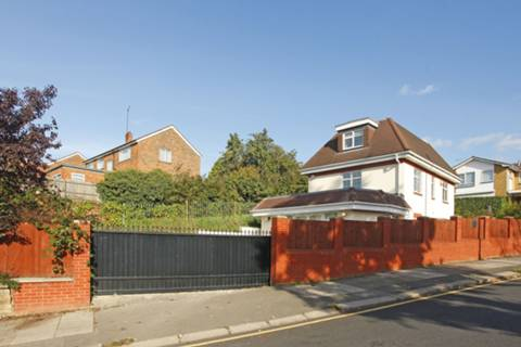 View full details for Vale Rise, Golders Green, NW11