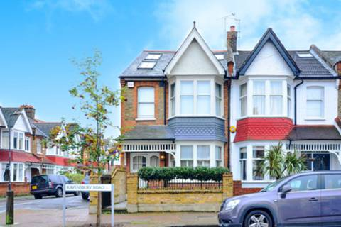 View full details for Ravensbury Road, Earlsfield, SW18