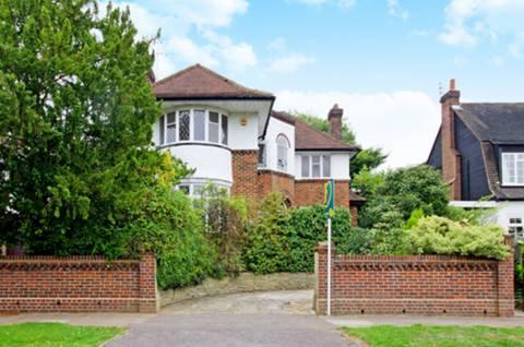 View full details for Grange Gardens, Pinner, HA5
