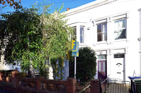 View full details for Lyndhurst Grove, Peckham Rye, SE15