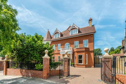 View full details for Westbury Road, Ealing, W5