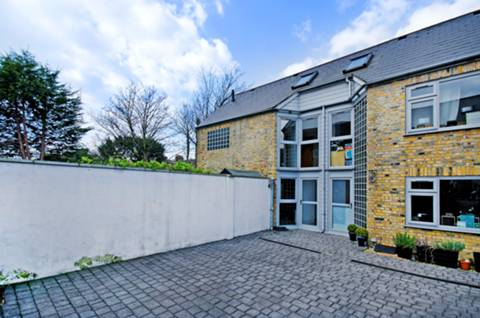 View full details for Birkbeck Road, Beckenham, BR3
