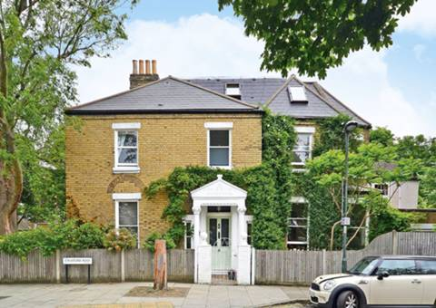View full details for Strafford Road, East Twickenham, TW1
