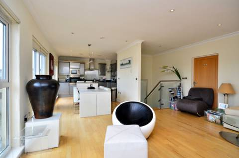 View full details for Lavender Hill, Battersea, SW11