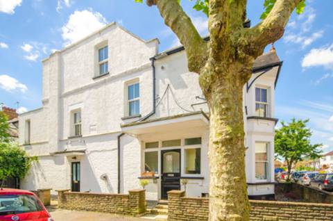 View full details for Annington Road, Muswell Hill, N2