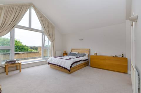 View full details for Broomhouse Dock, Fulham, SW6