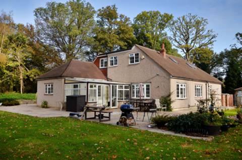 View full details for Hardwick Lane, Lyne, KT16