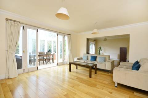 View full details for Gwendolen Close, Putney, SW15