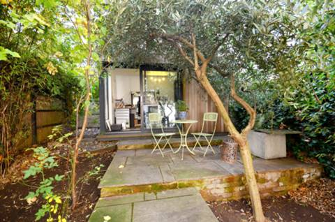 View full details for Moorhouse Road, Artesian Village, W2