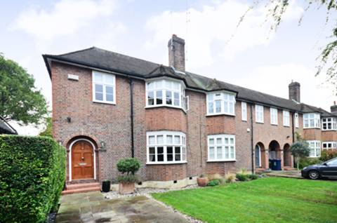 View full details for Rotherwick Road, Hampstead Garden Suburb, NW11
