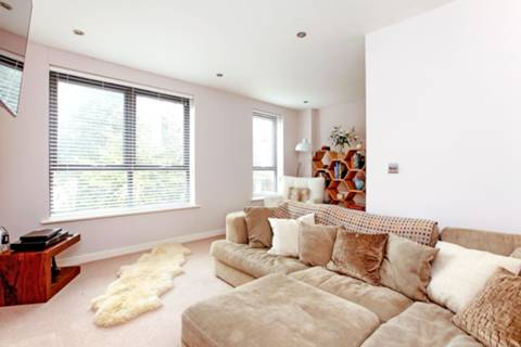 View full details for Hamlyn Gardens, Crystal Palace, SE19
