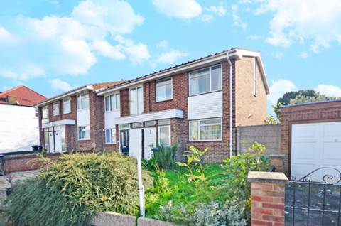 View full details for Norfolk Avenue, Palmers Green, N13