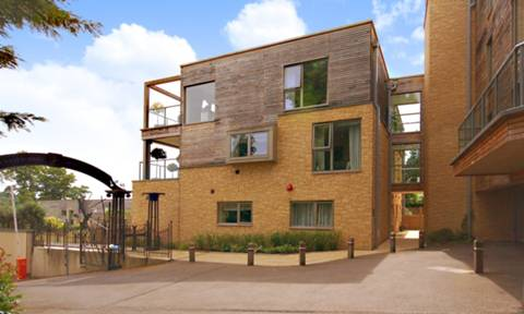 View full details for Hitherbury Close, Guildford, GU2