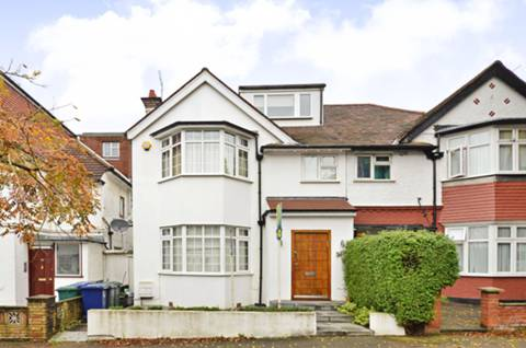 View full details for St Johns Road, Temple Fortune, NW11