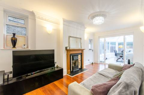 View full details for Inglis Road, Ealing Common, W5