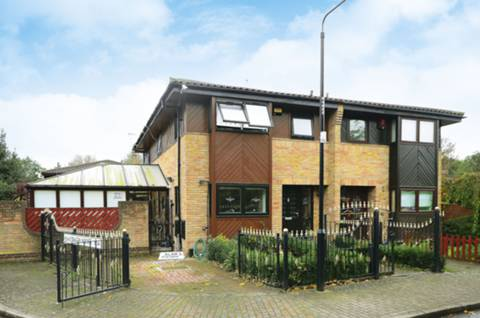 View full details for Friars Mead, Isle Of Dogs, E14