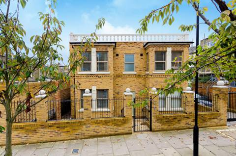 View full details for Askew Crescent, Wendell Park, W12