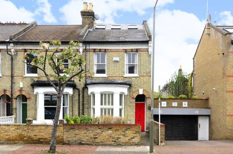 View full details for Ravenswood Road, Balham, SW12