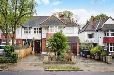 View full details for Friern Mount Drive, Totteridge, N20