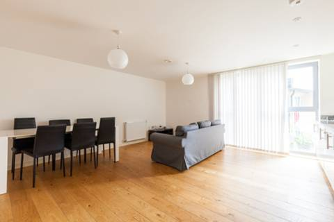 View full details for Chesworth Court, Fulneck Place, Stepney, E1