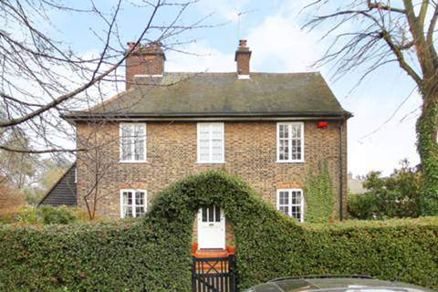 View full details for Hampstead Way, Hampstead Garden Suburb, NW11