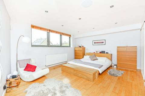 View full details for Garnet Street, Wapping, E1W