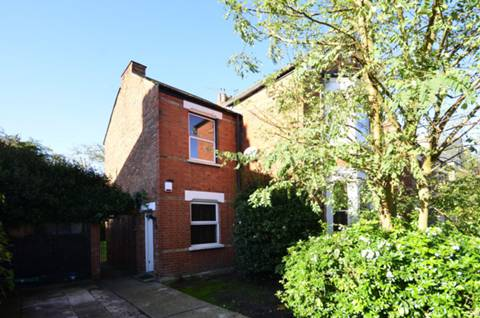View full details for Bellevue Road, Friern Barnet, N11