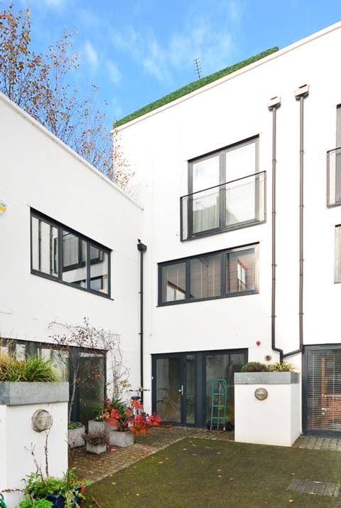View full details for Upper Street, Islington, N1