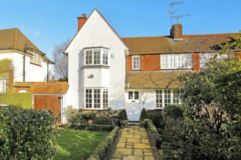 View full details for Ruskin Close, Hampstead Garden Suburb, NW11