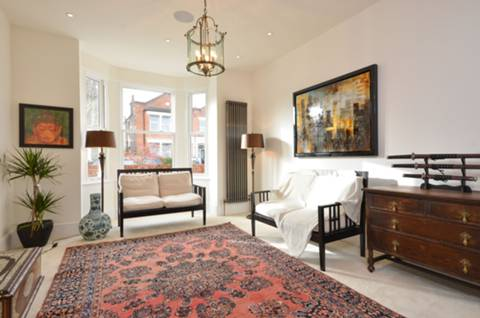 View full details for Station Road, Finchley Central, N3