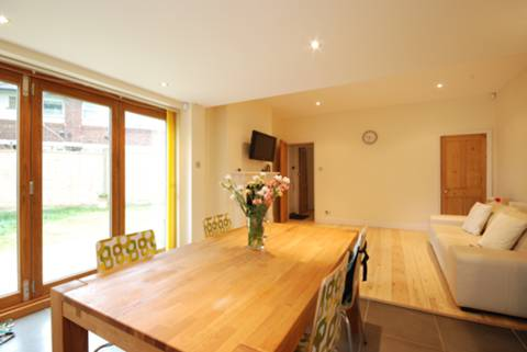 View full details for Broomfield Road, Palmers Green, N13