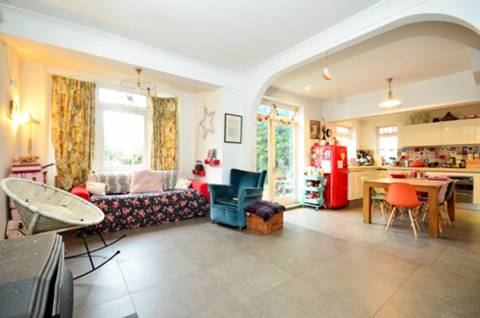 View full details for Doyle Gardens, Willesden, NW10