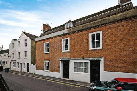 View full details for Crown Street, Harrow on the Hill, HA2