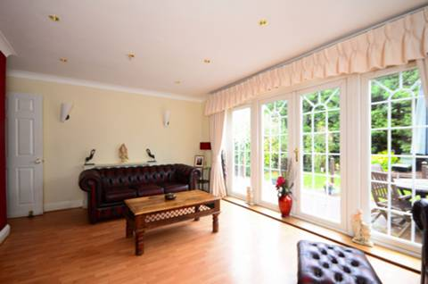 View full details for Greenwich Crescent, Beckton, E6