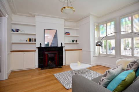 View full details for Longbeach Road, Clapham Common North Side, SW11