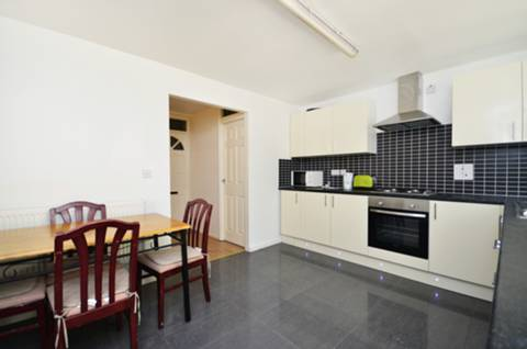 View full details for Redcastle Close, Wapping, E1W