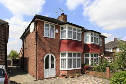 View full details for Pentland Close, Cricklewood, NW11