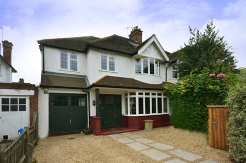 View full details for Grove Park Road, Grove Park, W4