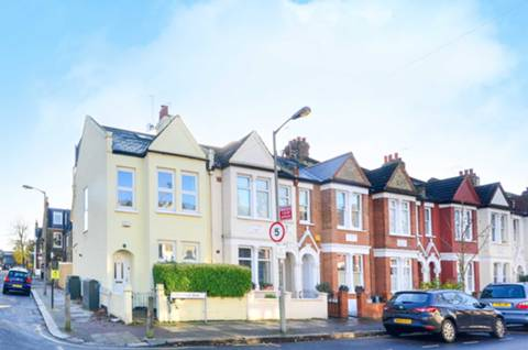 View full details for Strathville Road, Earlsfield, SW18