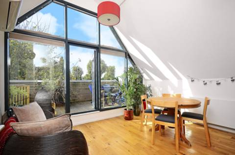 View full details for Weybourne Street, Earlsfield, SW18